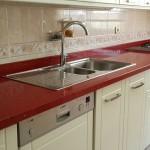 kırmızı çimstone mutfak tezgahı